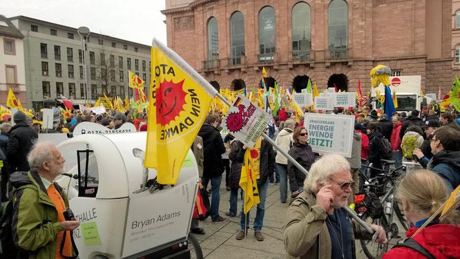Großdemo für Energiewende in Mainz 2014 © dokfoto.de / Klaus Leitzbach