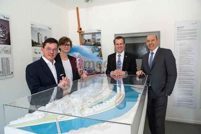 Arnd Hinrich Kappe; Daniela Matha; OB Felix Schwenke und Jochen Kuppinger © dokubild.de / Friedhelm Herr