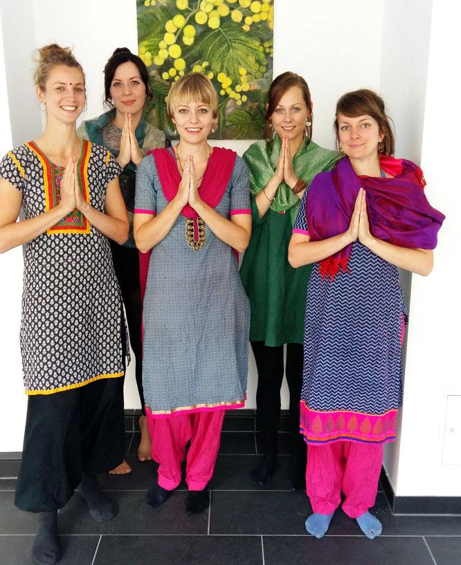 Meine Teilnehmerinnen im indischen Look.
