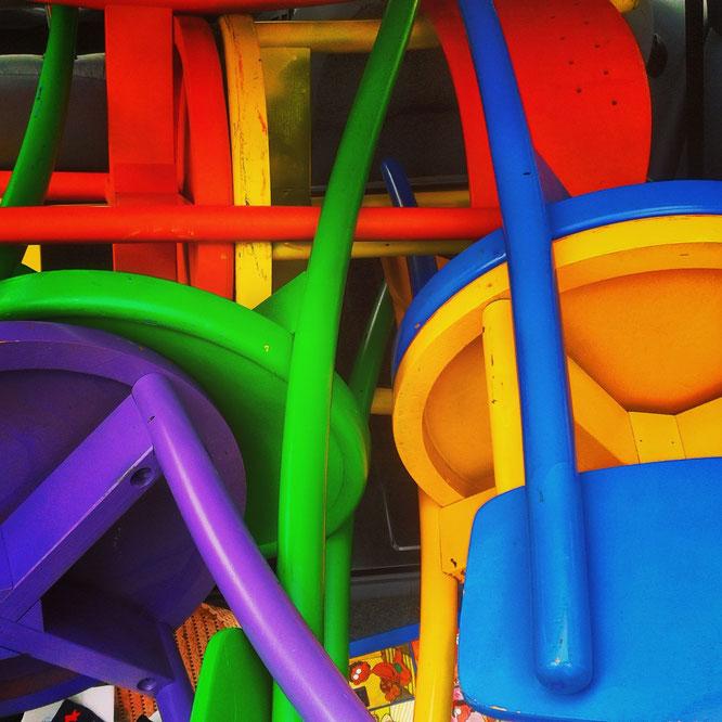 Quizfrage: Wie viele Stühle seht ihr?