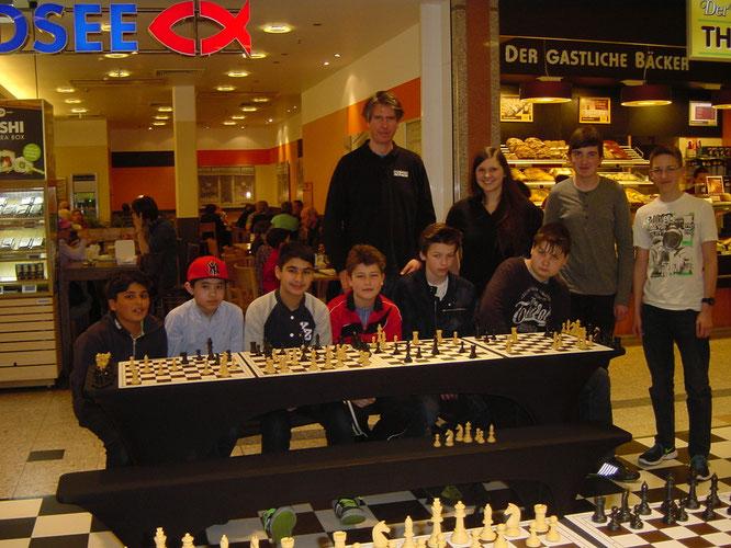 v.l.n.r: Imran Siddique, Tommy Le, Muhammed Kizilkaya, Kay Kersten, Leon Klose, Tim Wasmuth, Tom-Jonas Werner, Marcel Schmidt.