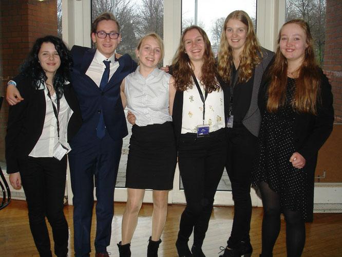 v.l.n.r Vidana Popkova, Jacob Leif,Josefine Brückmann, Dörte Beuermann, Neria Hotho, Sarah Klankers