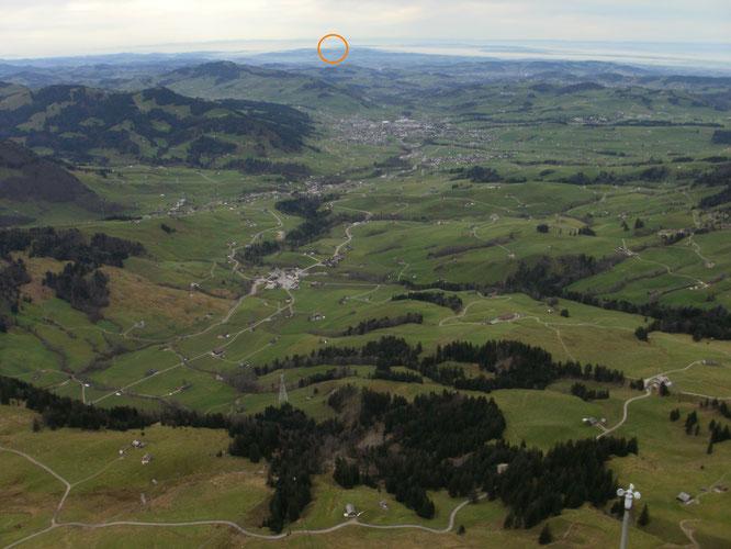 """der """"Blick zurück"""" über Brülisau und Appenzell zum Napoleonturm"""