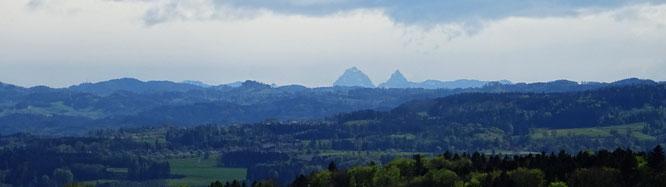 die Mythen, bei denen wir heute vorbeikommen, sieht man bei Föhn vom Thurgau aus