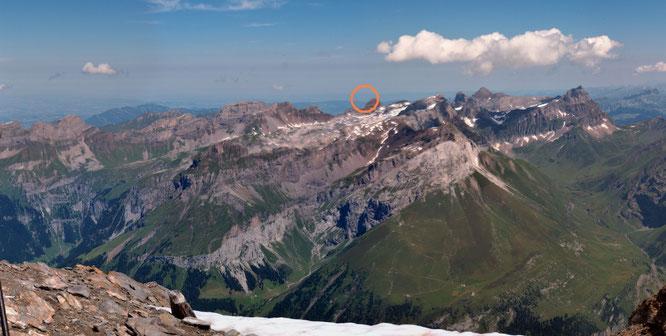 """der """"Blick zurück"""" vom Titlisgipfel über das Engelberger Rothorn zum Napoleonturm"""