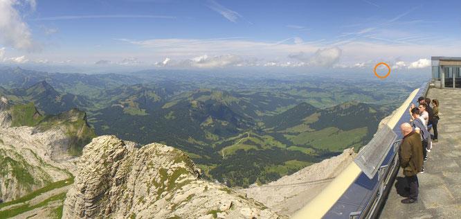 """""""Blick zurück"""" mit der Säntis-Webcam nach Norden und zum Napoleonturm"""
