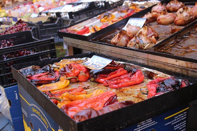 fluegelwesen.de - Gegrilltes Gemüse auf dem Markt in Catania