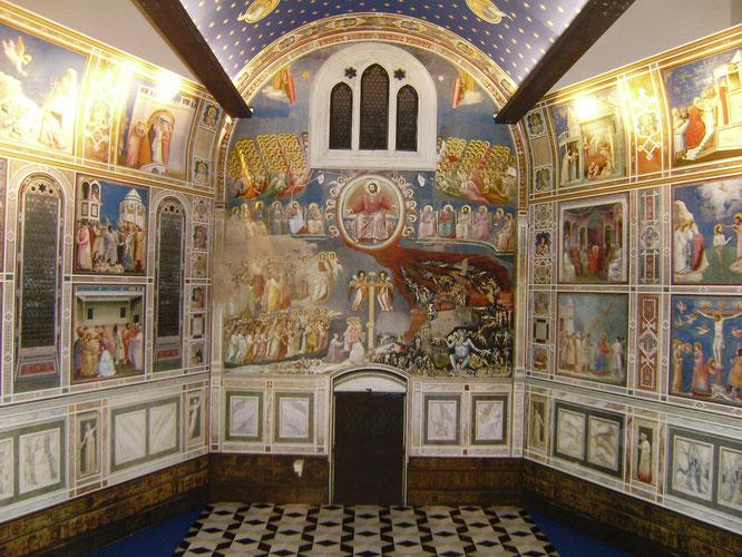 スクロヴェーニ礼拝堂内部