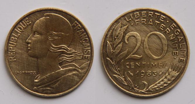 20フラン硬貨の裏側には横顔のマリアンヌが描かれている。