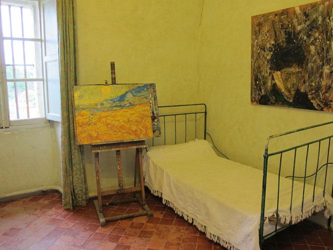 療養院のゴッホの部屋。この窓から見える風景をゴッホは描いた。