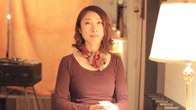 映画「ねぼけ」の本当のカタルシスはエンディングで流れる日本を代表するアコースティック系シンガーソングライター、イノトモによる主題歌「イトナミ」にあるという。