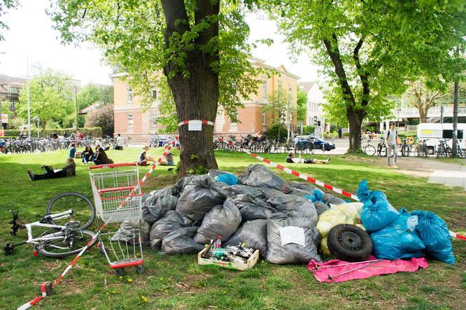 : Der Campus-Clean-Up ist eines der vielen Projekte an der Uni Tübingen, welche durch die Studierenden im Beirat für nachhaltige Entwicklung geplant und umgesetzt werden.