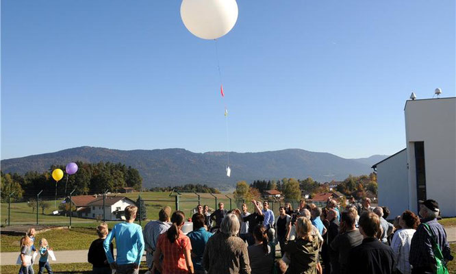 Wetterballon beim Start