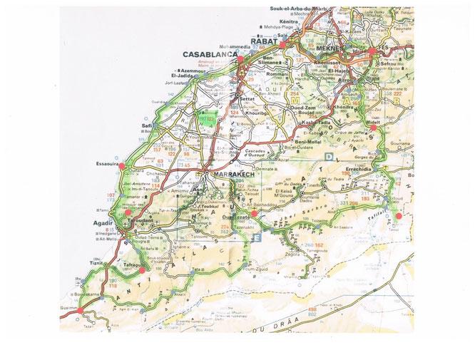 La Commune Territoriale d'Ouled Boussaken se situe entre El Jadida et Marrakech , dans la Province de Sidi Bennour.