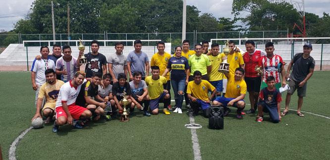Se coronó como campeón el equipo de Brasileiros.
