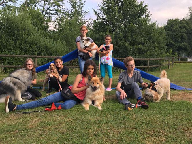 unserer Jugend und Hund Gruppe