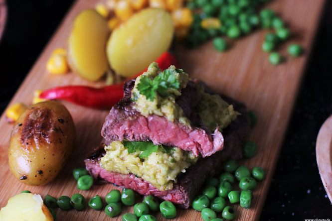 Bio Steak mit Avocado Salsa Olgarto