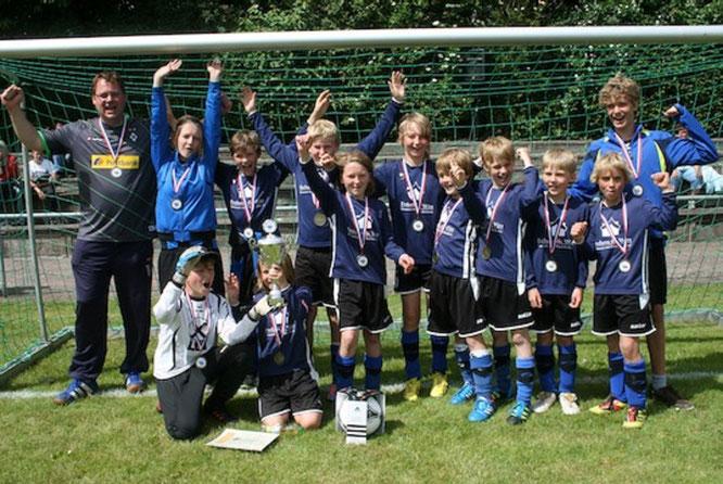 """Als drittes Team konnten die E-Jugendlichen von """"Manzi"""" Meier, Joerle Schmahl & Bjarne Struck 2013 den Fehmarn Cup gewinnen."""