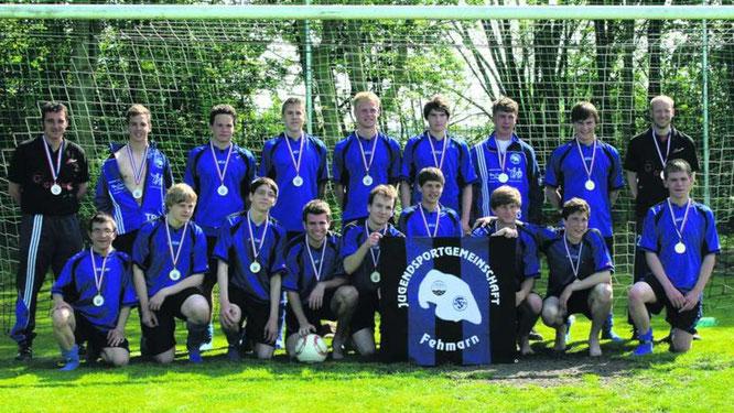 Die A-Junioren der JSG Fehmarn sind am Ziel: Ungeschlagen wurden sie Meister in der Kreisliga. Sie gingen sehr ersatzgeschwächt, zeitweise mit nur elf Spielern durch die Saison. ·