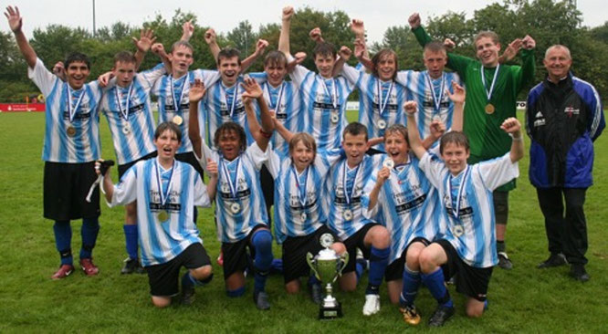 Unsere ersten Sieger: Die C-Junioren holten 2007 den Fehmarn Cup