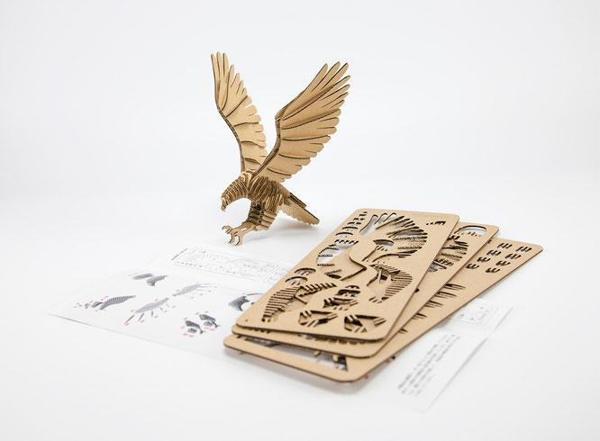 商品の一例(鷹)の写真