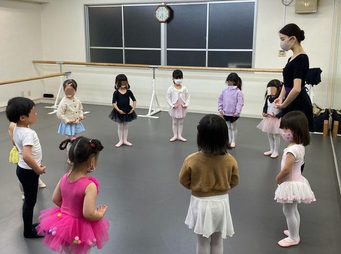 英会話&バレエのレッスンの様子の写真