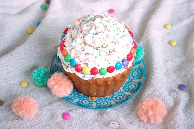 Rezept für ein leckeren Funfetti Jumbo Cupcake