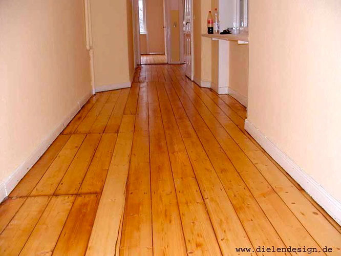 Floorboards with Le Tonkinois oil and Gelomat, satin