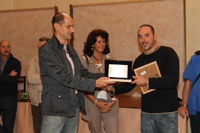 Giacinto Andrioli premiato con la targa Miglior bonsaista del coordinamento 2014