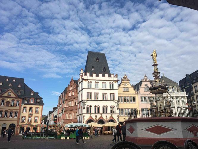 Der Hauptmarkt in Trier ist eine Reise wert.