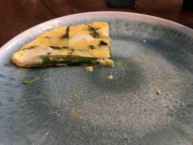 Auf Brot oder einfach nur so schmeckt die Fritatta so gut, dass selten ein Stück übrig bleibt.