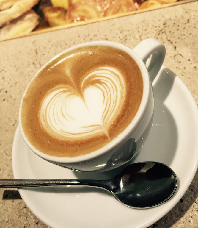 Cappuccino al banco in Rom