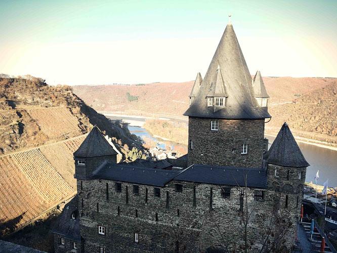 Beste Lage für eine Jugendherberge: Burg Stahleck in Bacharach.