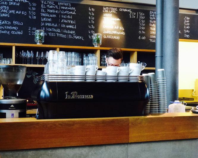 Eines der schönsten und interesantesten Cafés in Hamburg: Elbgold Café und Rösterei
