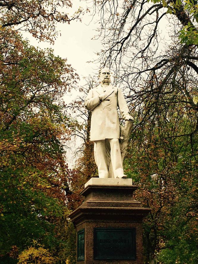 Die Statue von Kaiser Wilhelm I. im Kurpark.