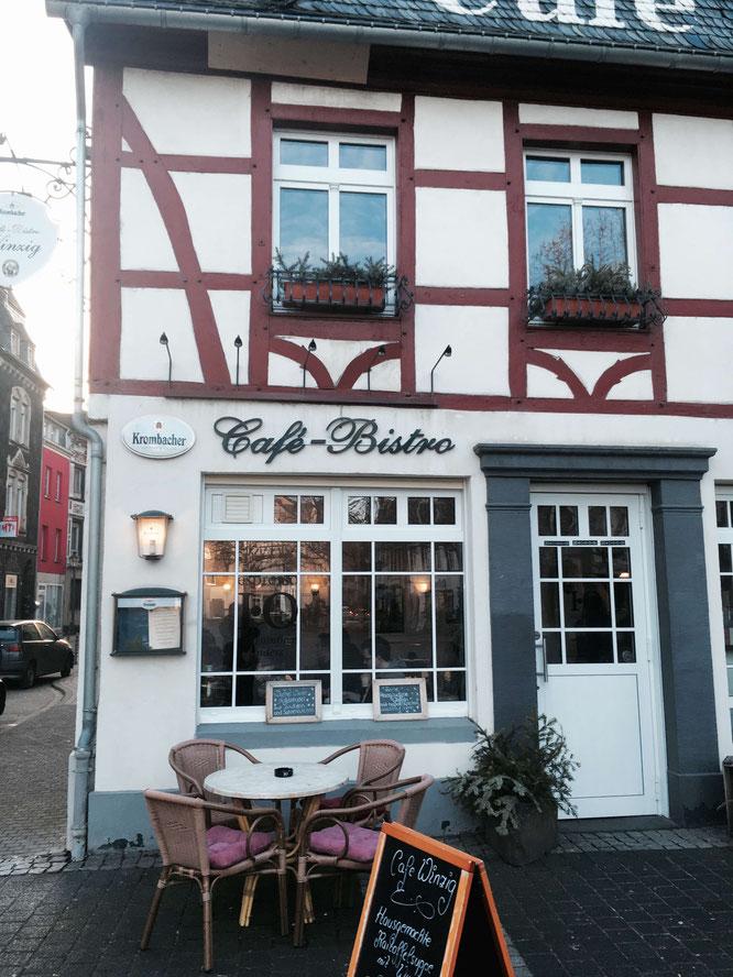 Das Cafè Winzig in Andernach - Hausgemachte Kuchen und Holländischer Cappuccino
