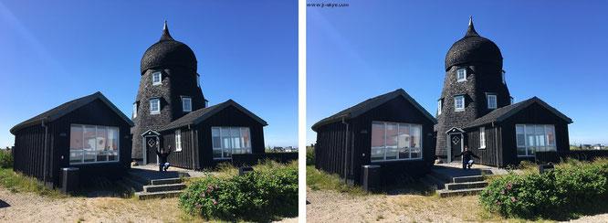 Eine von unzähligen Sehenswürdigkeiten, auf die ich im Rahmen meiner umfangreichen Dänemark-Reisen gestoßen bin - und in keinem von mir gesichteten Reiseführer vermerkt sind. Wer erkennt dieses Gebäude?