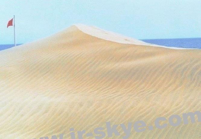 """Ein surreales Abenteuer: hier verläuft die Grenzlinie """"Marokko - Westsahara"""". Eines meiner """"Premium-Fotos"""" (Anfang der 2000er Jahre), Prädikat """"Einmaliger Trip"""". Nachahmung nicht empfohlen (27° 9′ 0″ N, 13° 12′ 0″ W)!"""