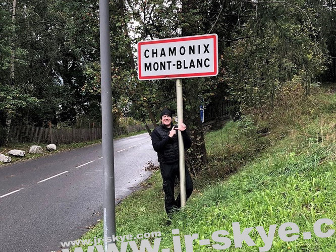 ...before I climbed the Mont Blanc (45° 49′ 57.16″ N, 6° 51′ 51.57″ E). Check out my international climbing excursions on this Blog!