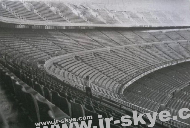 I´m the only visitor in Camp Nou / Nou Camp, Barcelona, Catalonia, Spain (41° 22′ 51″ N, 2° 7′ 21″ E). Thanks to Joan Gaspart Solves, FC Barcelona!