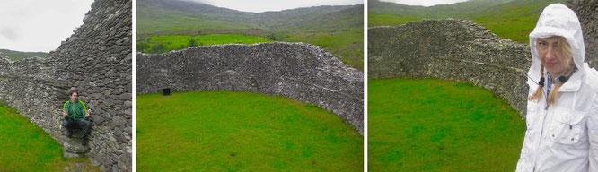 Das landschaftlich reizvoll gelegene Staigue Fort befindet sich bereits ein gutes Stück von Kenmare entfernt. Die Datierung des Bauwerks ist schwierig, die Errichtung wird aktuell mit 400-500 v. Chr. angegeben...