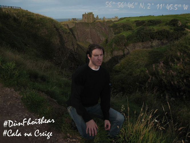 Dunnottar Castle Aberdeenshire Schottland Scotland Schloß Burg Runine Jörg Rainer Kaminski Gelnhausen JR Skye Reiseblog Travelblog Gemälde Beautiful Schön Ritter Mann