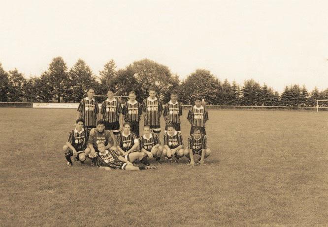 "My A-Team beat a Team from the ""Kreisliga"" 12:2 (4:1) near Frankfurt. I´m sitting, 3th from the left..."