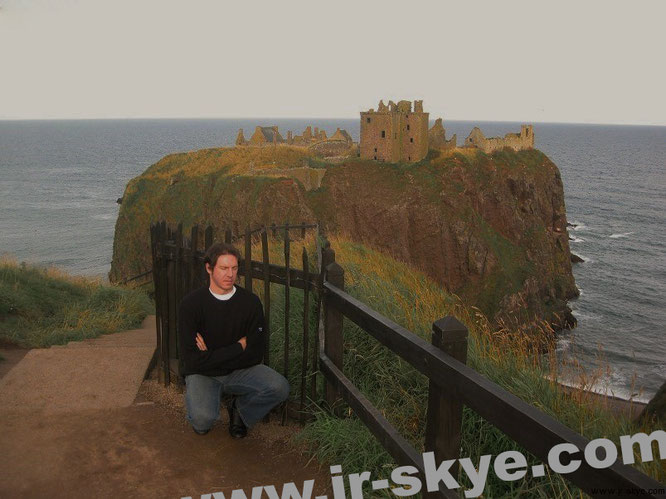 Dunnottar Castle (Dùn Fhoithear), Stonehaven/Aberdeenshire, Scotland (56° 56′ 46″ N, 2° 11′ 45,5″ W)...