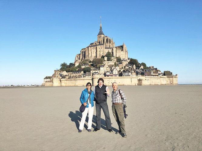 Wunderbare Begegnung am Fuße Mont-Saint-Michels, Normandie, Frankreich! Gruß nach Mailand!