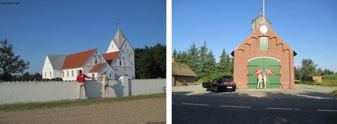 """Sankt Clemens Kirke , Havnebyvey - Blick aus nördlicher Richtung (links) und Behausung """"Römö Frivillige Brandvaren""""..."""