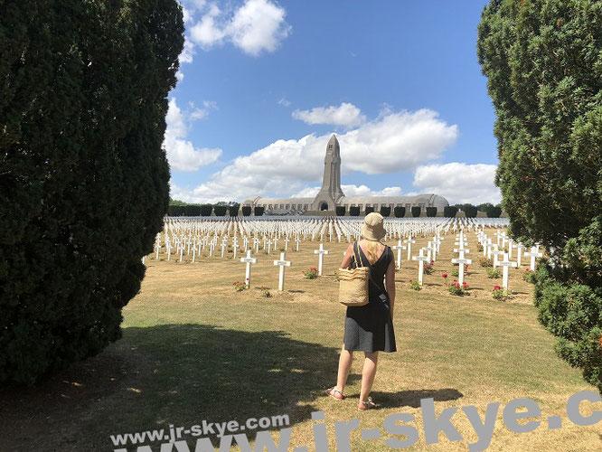 Verdun, Grand Est (49° 9′ 35″ N, 5° 22′ 58″ E)...