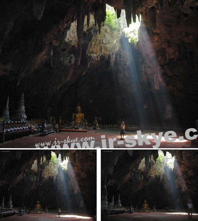 """Reisen in unterirdische Höhlensysteme und gemütliches Betreten von oberirdischen Grotten. Abstiege in Schluchten und Täler sowie Aufstiege auf Wipfel und Gipfel:""""Mona-Liza & me at Tham Khao Luang, Phetchaburi/TH (13° 7′ N, 99° 57′ E)..."""