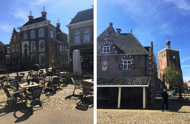 2 typische Szenerien aus Workum. Altes Stadthaus mit Marktplatz und Gertrudiskirche mit getrennt platziertem Glockenturm...