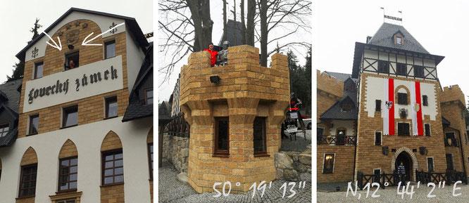 """Gruß aus unserem Turmzimmer (links) und von den Zinnen des Verteidigungstürmchens """"Hofeinfahrt""""..."""